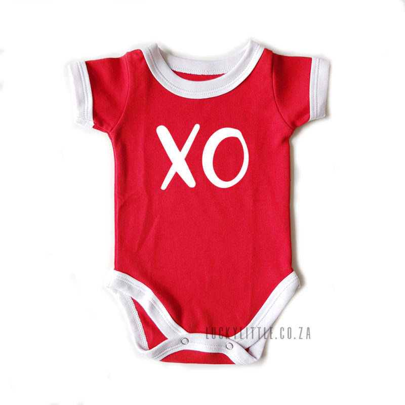 luckylittlecoza_babyvest_XO_red